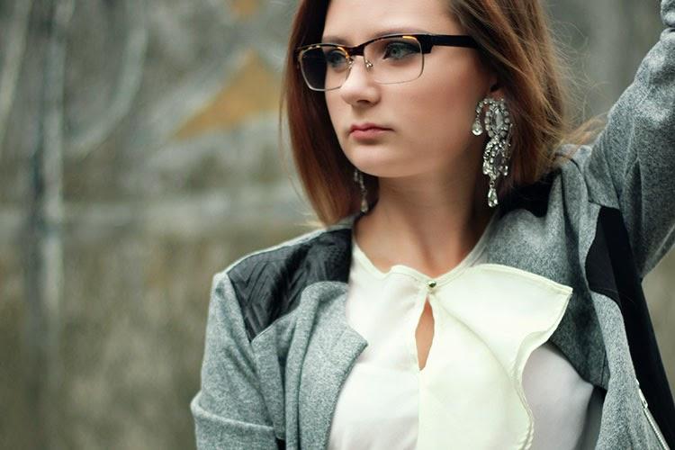 brille, make up, ohrringe, anna dello russo, outfit, chic, classy, dear fashion, mode blog, fashion blog, lookbook, bluse