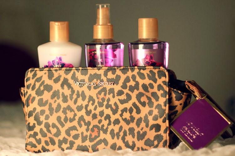 Victorias Secret, love spell, giftset, geschenk set, geschenkidee, parfum, body lotion, body spray, dear fashion, fashion blog, mode blog, giveaway, gewinnspiel, amerika