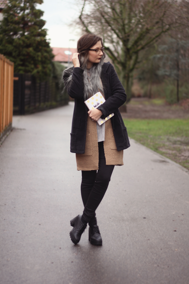 Fashion blog, dear fashion, grey hair, graue haare, outfit, ootd, outfit, lookbook, trend, fashion week