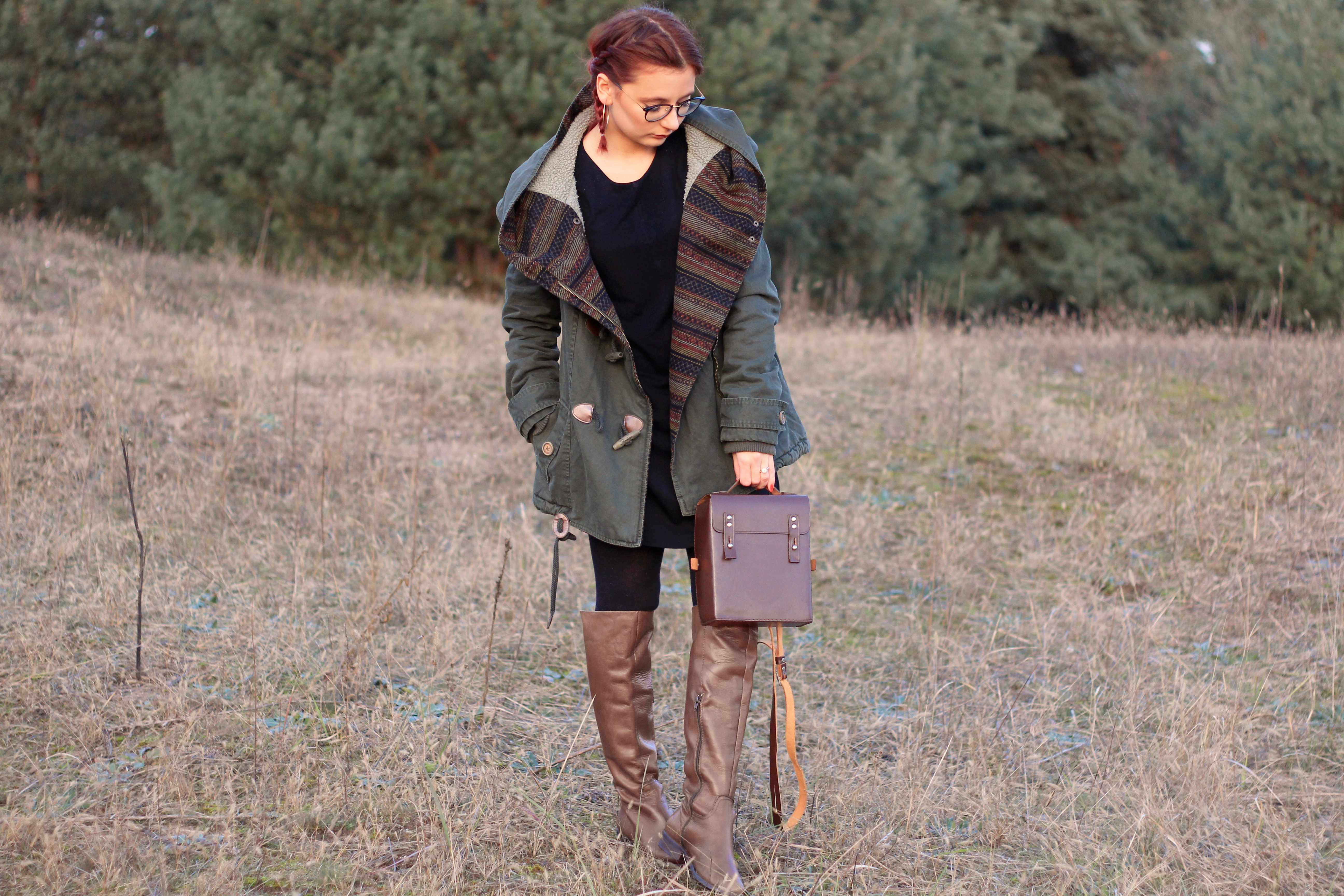 Dafflecoat, layering, kameratasche, stiefel, trend, outfit, ootd, fashionblogger, modeblogger, dearfashion, spaziergang, november, instagram, rote haare, style, lookbook