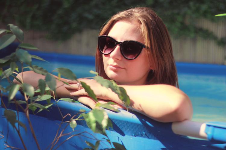 schwimmer, sommer, Sonne, pool, bräunen, mode blog, dear fashion, fashion blog, sonnenbrille