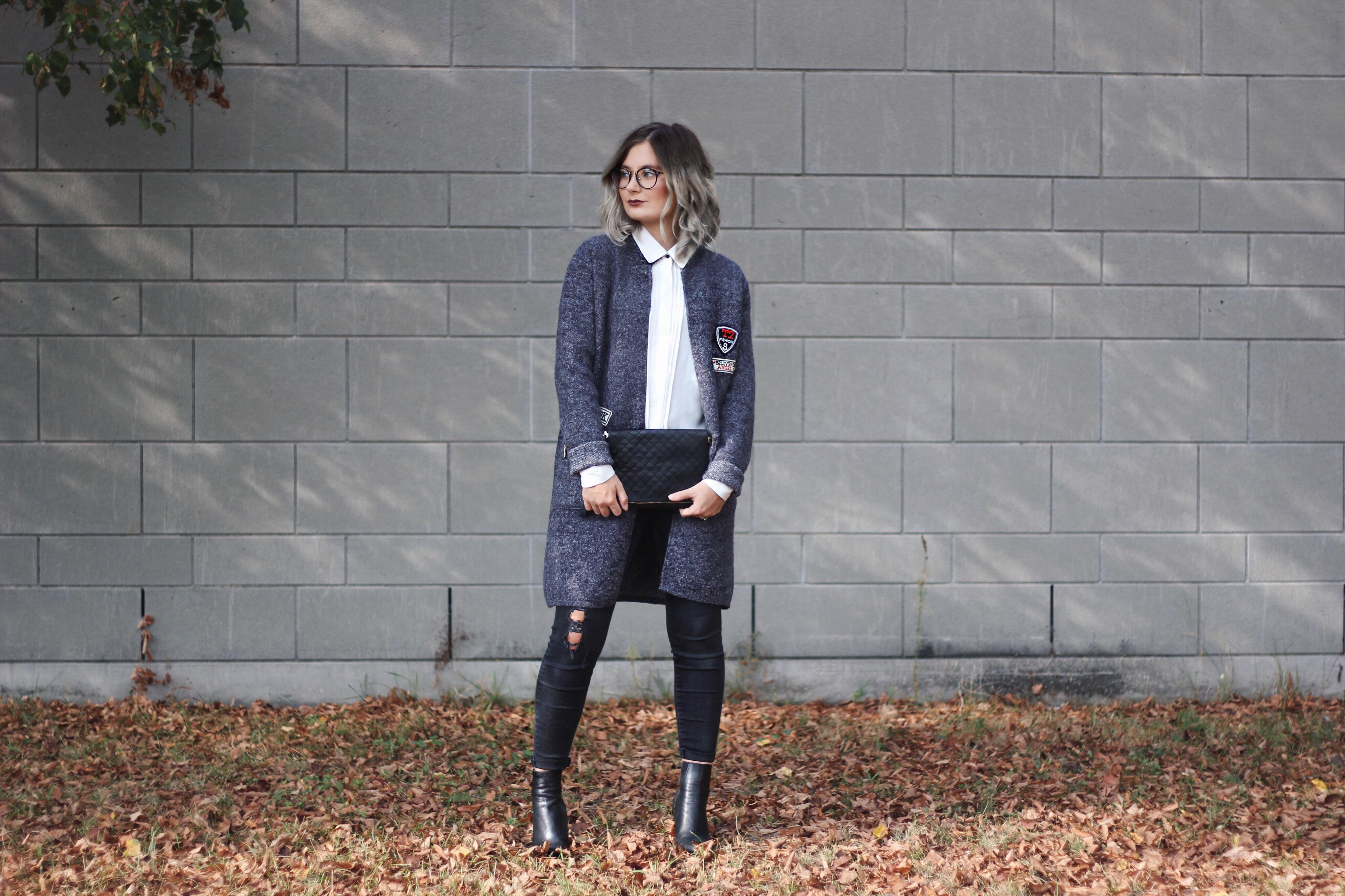Jacke mit Patches, Herbsttrend 2016, Dear Fashion, Modeblog, Fashionblogger, Fashion Blog, graue Haare, Curls, brille, lookbook, outfit