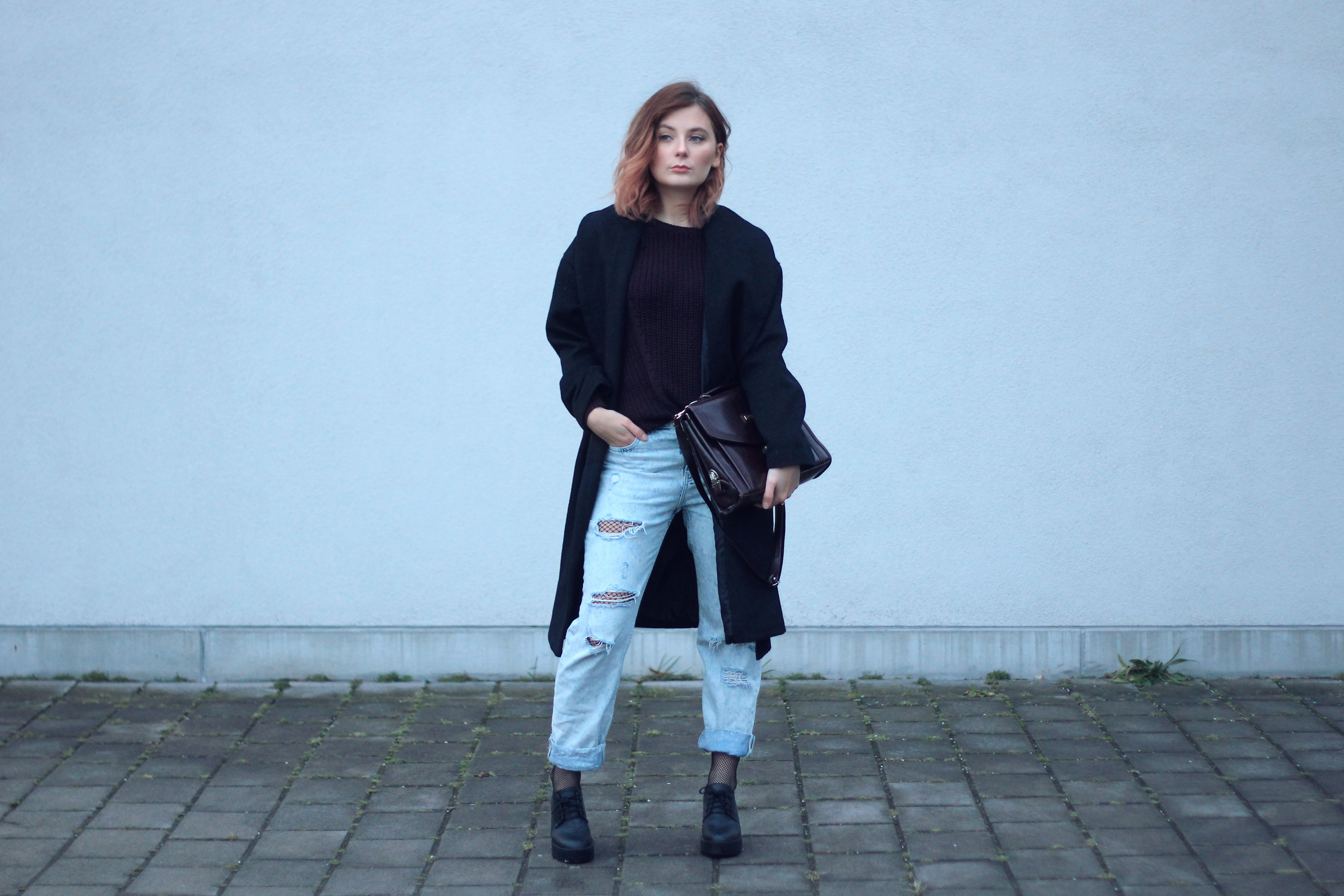 Netzstrumpfhosen Trend Outfit Boyfriend Jeans Coat outfit fashionblog modeblog fashionblogger instagram